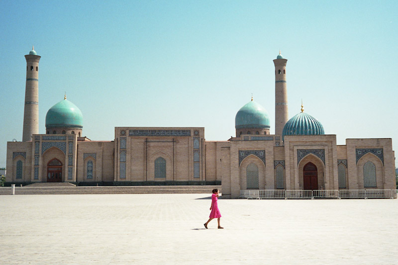 A mosque showing the traditional architectural style in Tashkent. (Photo by so11e via Flickr)