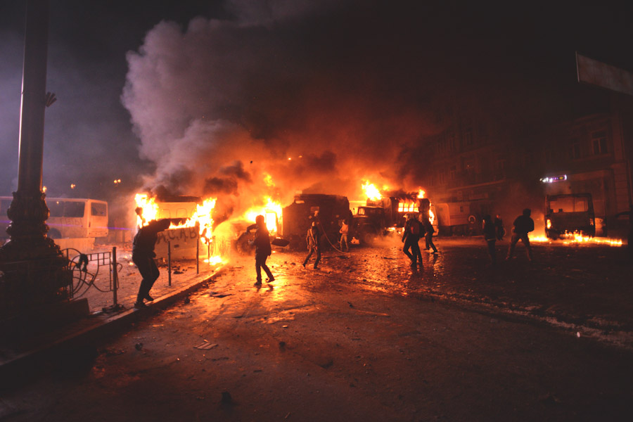 Protestors throw Molotov cocktails at police in Kiev in January. (Photo by Mstyslave Chernov via Wikipedia)