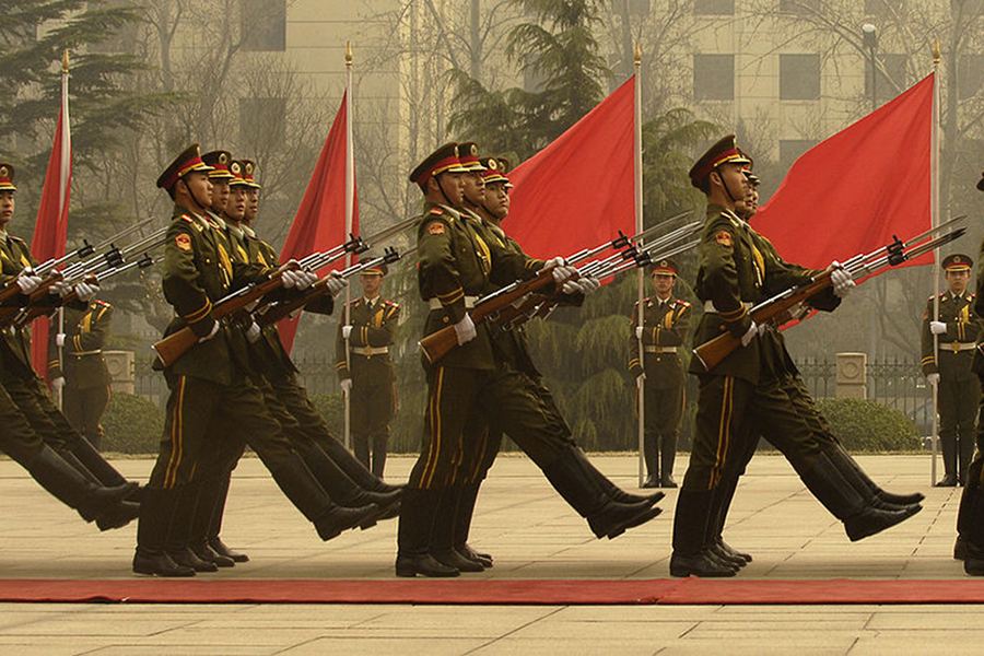 Chinese military men march out to welcome Staff Marine Gen. Peter Pace during an honor guard ceremony at the Ministry of Defense in Beijing, China. (Photo by Staff Sgt. D. Myles Cullen/United States Air Force)