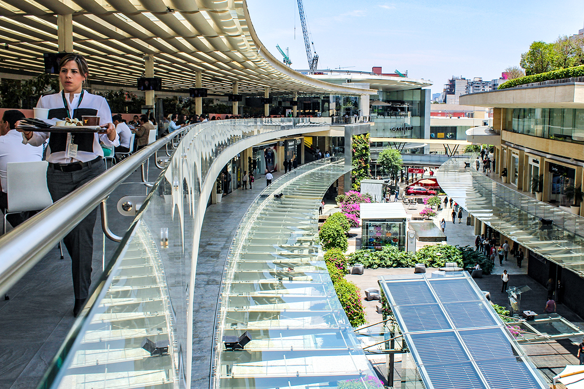 Mexican Shoppers Flock To Modern Malls As Middle Class